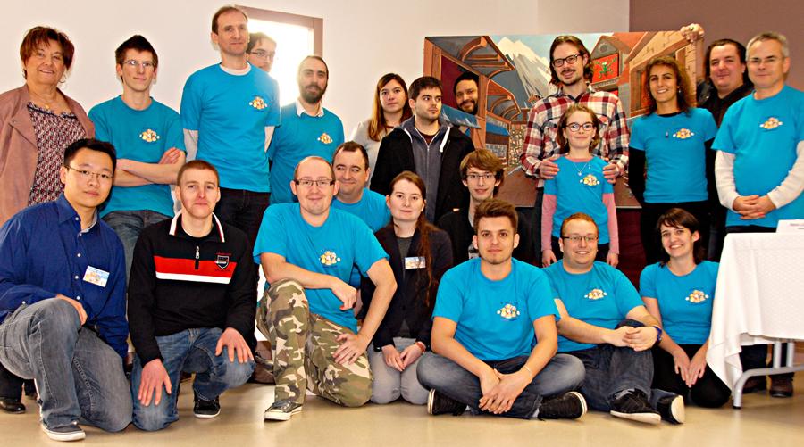 L'équipe de bénévoles de la Maison des Jeux de Clermont-Ferrand à la Fête du Jeu