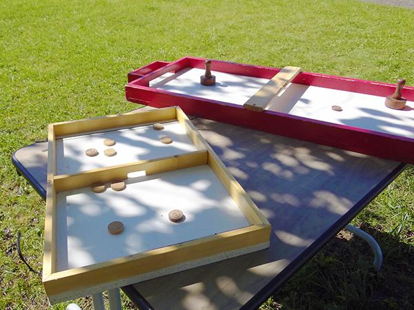 Location de grands jeux d'adresse en bois (maxi-flitzer et hockey de table) à la Maison des Jeux de Clermont-Ferrand