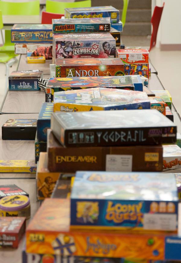 Besoin d'idées de jeux de coopération, ambiance ou autre ? Venez tous les essayer au club de jeux de société de Clermont-Ferrand